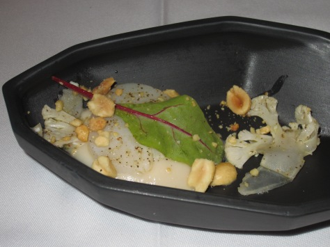 Cauliflower, romanescu and truffle with scallop and peanuts