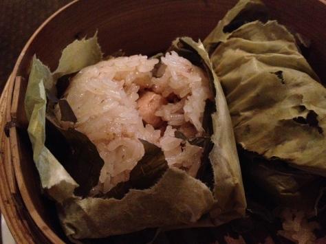 Steamed glutinous rice with pork, chicken and prawn