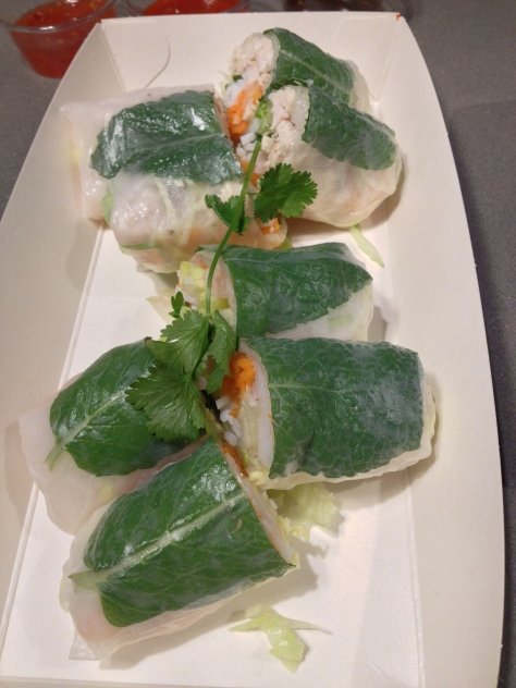 Gỏi cuốn: summer rolls (prawn and chicken) with herbs, vermicelli & pickle