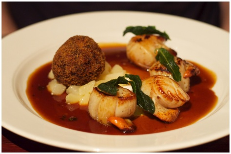 Pan frield king scallops