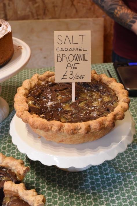 Salt caramel brownie